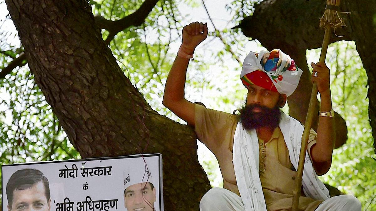 Gajendra Singh moments before he hanged himself by his scarf from the tree. (Photo: PTI)