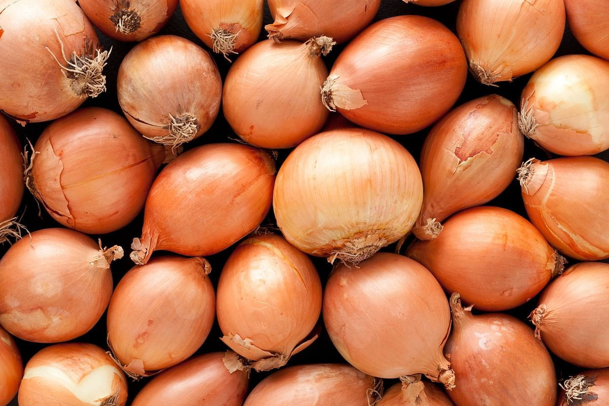 Onion does much more than giving a foul breath. (Photo: iStock)