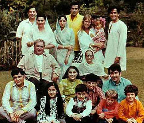A rare family picture of the Kapoor family. (Photo Courtesy: Twitter)
