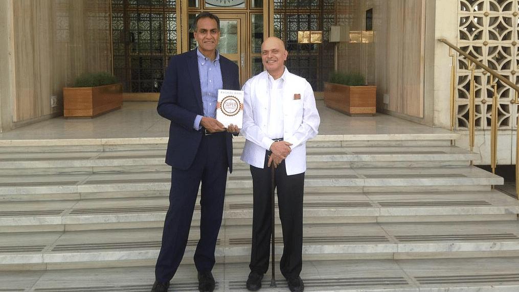 "U.S. Ambassador to India Richard Verma with Raghav Bahl.  (Photo: Twitter/<a href=""https://twitter.com/USAmbIndia"">@<b>USAmbIndia</b></a>)"