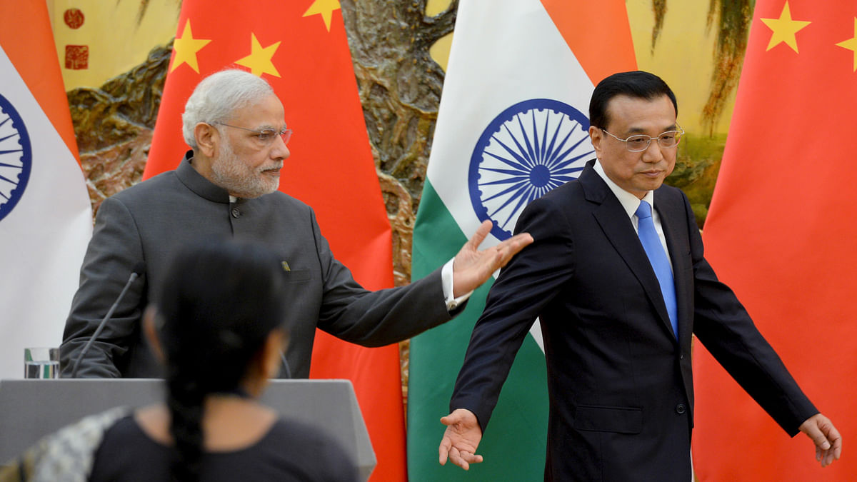 <!--StartFragment-->Indian Prime Minister Narendra Modi (L) and Chinese Premier Li Keqiang prepare for the joint press conference at the Great Hall of the People in Beijing, China, May 15, 2015. (Photo: Reuters)<!--EndFragment-->