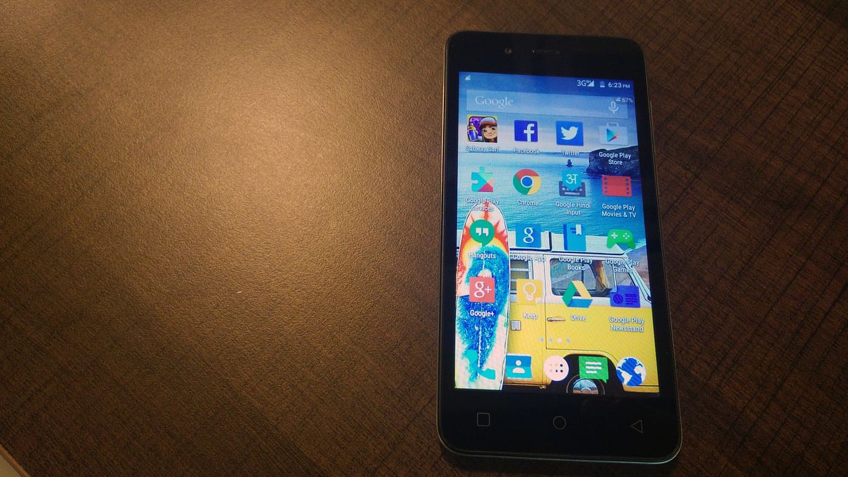 Micromax Canvas Spark runs on Android Lollipop 5.0 OS. (Photo: The Quint)
