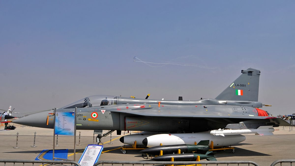 "IAF light combat aircraft ""Tejas"" taxies on the tarmac during the ""Aero India 2015"" (Photo: Reuters)"