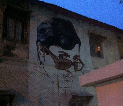 Work in progress: Rajesh Khanna sketched on the exterior of a Bandstand house. (Photo: Facebook/Bollywood Art Project)