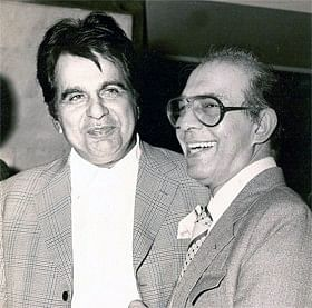 """<!--StartFragment-->Dilip Kumar and Talat Mahmood, two of the greatest names of the Indian film industry pose for press photographers. (Photo Courtesy:<a href=""""http://www.talatmahmood.net/""""> www.talatmahmood.net</a>)<!--EndFragment-->"""