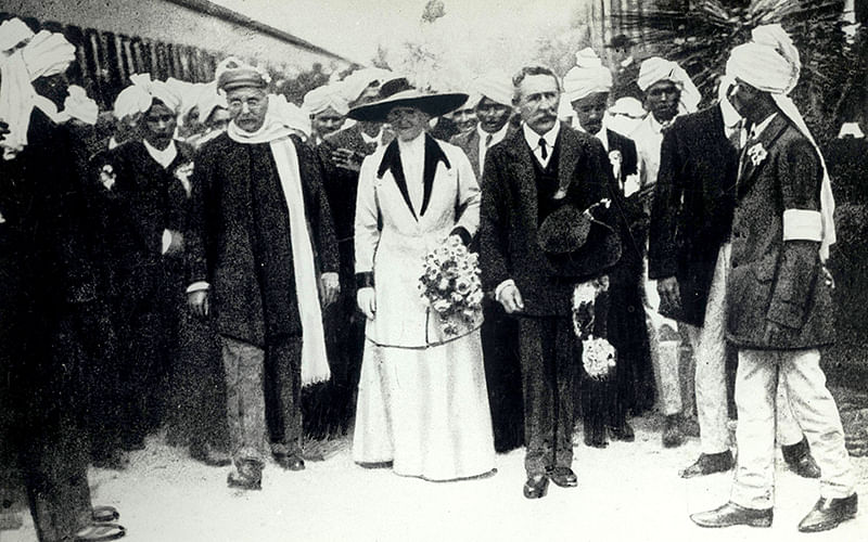 Rare photo: In 1912, Gokhale travelled to South Africa to meet Gandhi. Here he is being welcomed by the Mayor of Johannesburg. (Courtesy: NMML)