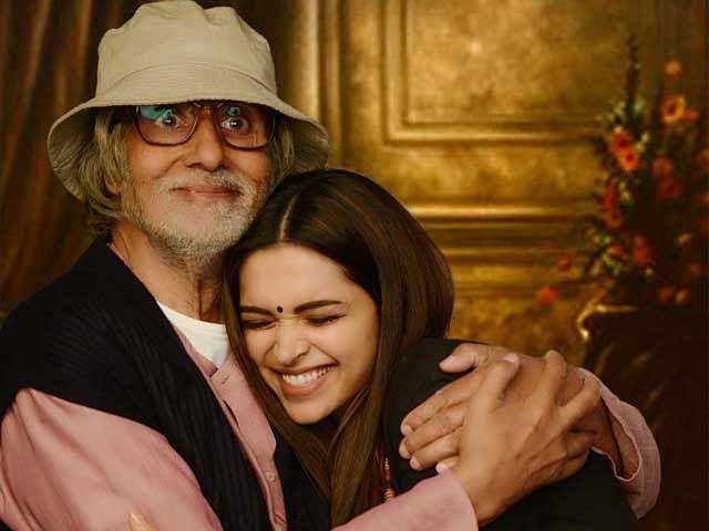 Deepika Padukone and Amitabh Bachchan play an adorable father-daughter duo in <i>Piku</i> (Photo: <i>Piku </i>Poster)
