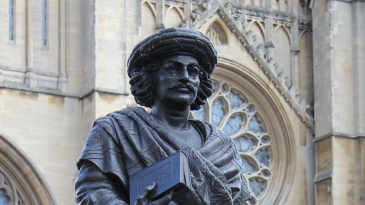 "Statue of social&nbsp;reformer Raja Rammohan Roy. (Photo Courtesy: <a href=""http://commons.wikimedia.org/wiki/File:Rajah_Rammohun_Roy,_College_Green,_Bristol.JPG"">commons.wikimedia</a>)"