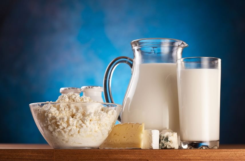 Milk and cheese are rich in calcium (Photo: iStockphoto)