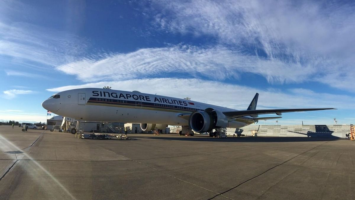 """File photo of an aircraft of the Singapore Airlines. (Photo: <a href=""""https://www.facebook.com/singaporeair/photos/pb.6352578678.-2207520000.1432753577./10153113685008679/?type=3&amp;theater"""">Facebook.com/Singapore Airlines</a>)"""