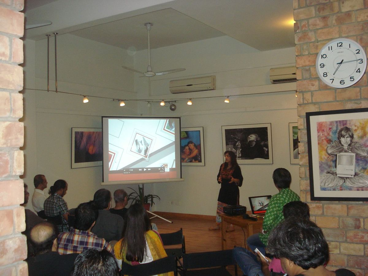 Sahar giving a talk at Sabeen's cafe T2F. (Photo Courtesy: Sahar Zaman)