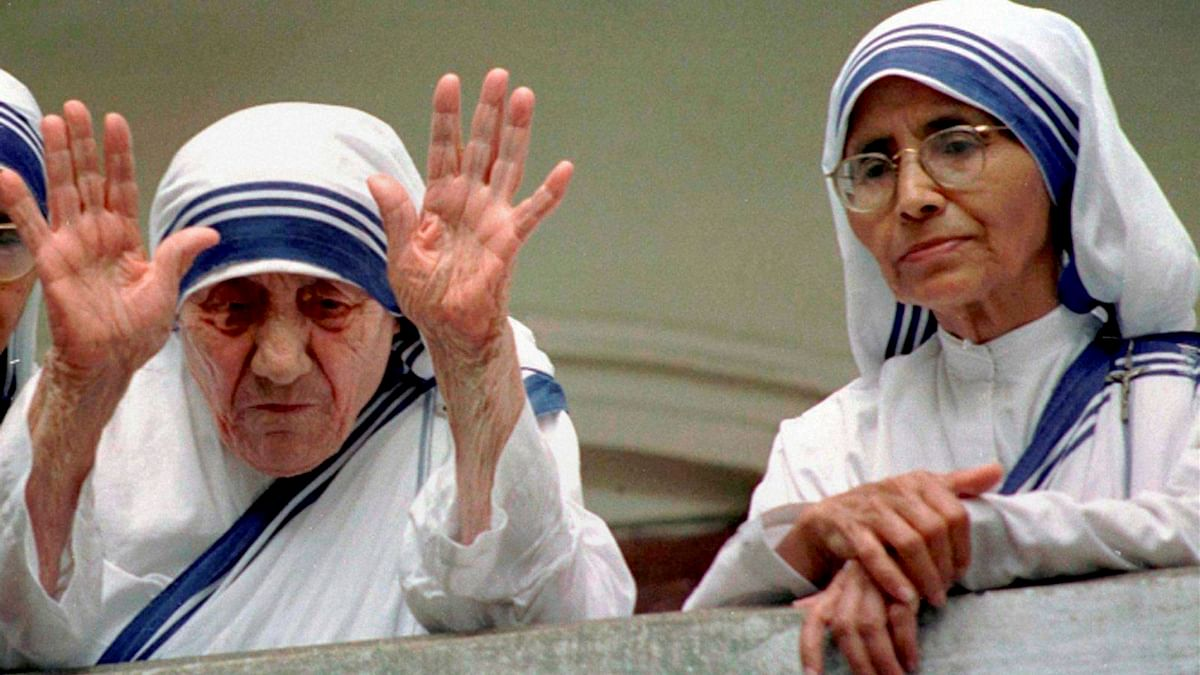 File photo of Head of Missionaries of Charity, Sister Nirmala with her predecessor Mother Teresa. (Photo: PTI)