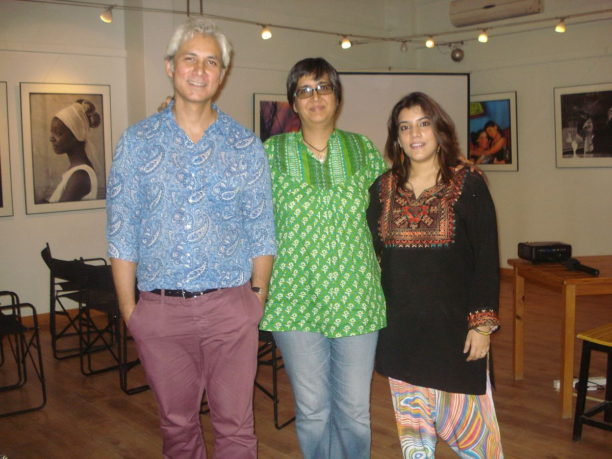 Sahar with Sabeen at T2F. (Photo Courtesy: Sahar Zaman)