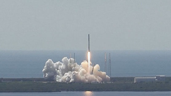 SpaceX Falcon 9 rocket explodes seconds after launch. (Photo: AP screengrab)