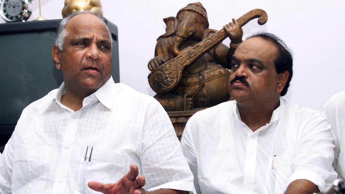 Former Maharashtra PWD ministerChhagan Bhujbal (right) with NCP Chief Sharad Pawar (left). (Photo: Reuters)