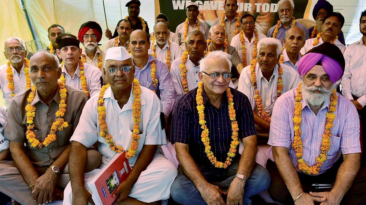 File photo of Ex-armymen protesting over One Rank One Pension at Jantar Mantar in New Delhi. (Photo: PTI)