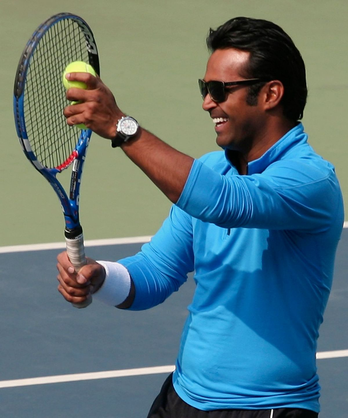 Leander Paes laughs during an interaction with budding tennis players at the Delhi Lawn Tennis Association (DLTA) stadium in New Delhi. (Photo: Reuters)
