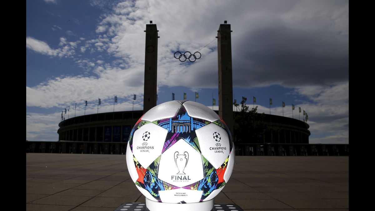 The official match ball for the UEFA Champions League final with Berlin's landmark Brandenburg gate in front of the Olympic stadium. (Photo: Reuters)