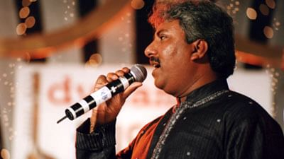 """Ustaad Rashid Khan performing at a concert. (Courtesy: <a href=""""https://www.facebook.com/pages/Ustaad-Rashid-Khan/92568358276"""">Ustaad Rashid Khan's Facebook page</a>)"""