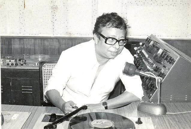 "A rare picture of&nbsp;RD Burman in a studio (Photo: Facebook/<a href=""https://www.facebook.com/pages/Pancham-Unmixed/391118874275789?sk=photos_stream"">PanchamUnmixed</a>)"