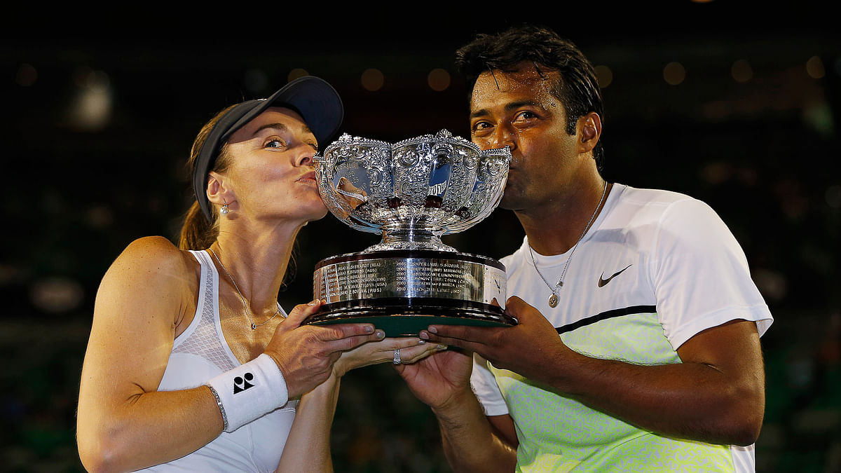 Martina Hingis and Leander Paes after winning the mixed doubles at the Australian Open 2015 in Melbourne. (Photo: Reuters)