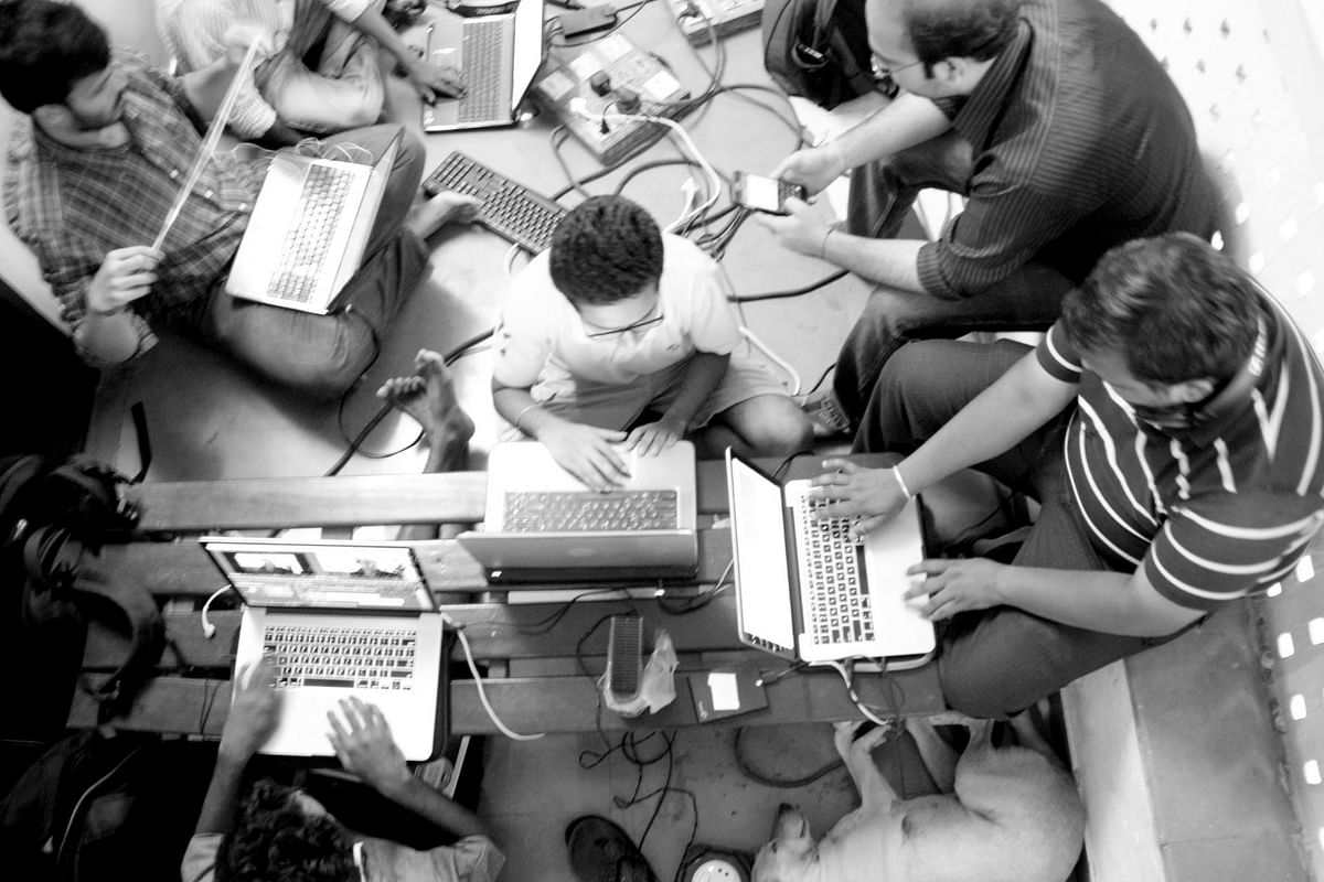 """FTII students at a make-shift social media control room pushing the battle online (Photo: <span style=""""font-size: 14.0000400543213px; line-height: 17.9999923706055px;"""">Facebook/FTIIWisdomTree)</span>"""