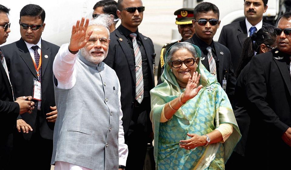<!--StartFragment-->PM Narendra Modi with Bangladesh PM Sheikh Hasina (Photo: Reuters)<!--EndFragment-->
