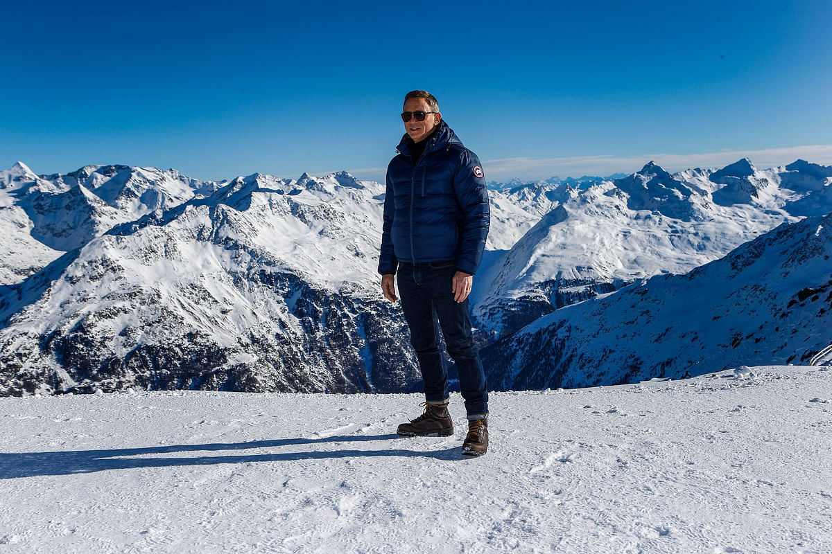 Actor Daniel Craig poses during a photocall to promote the new James Bond film <i>Spectre</i> at Gaislachkogel mountain in the Austrian ski resort of Soelden. (Photo: Reuters)