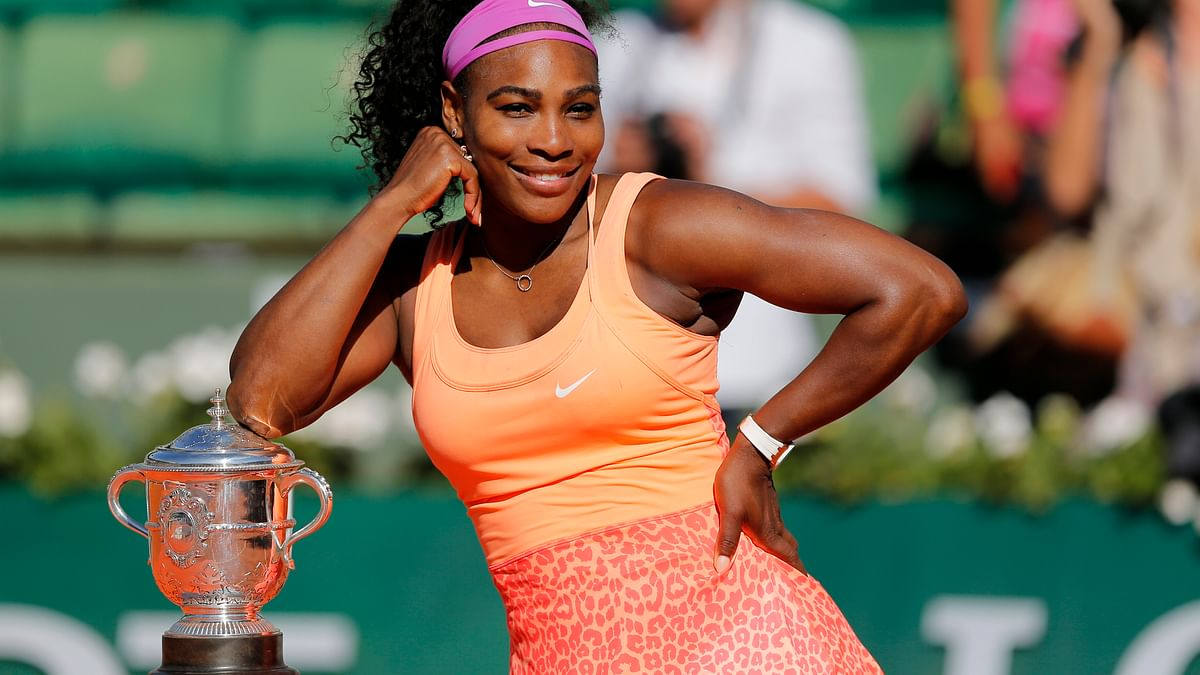 Serena Williams with her French Open trophy. (Photo: AP)