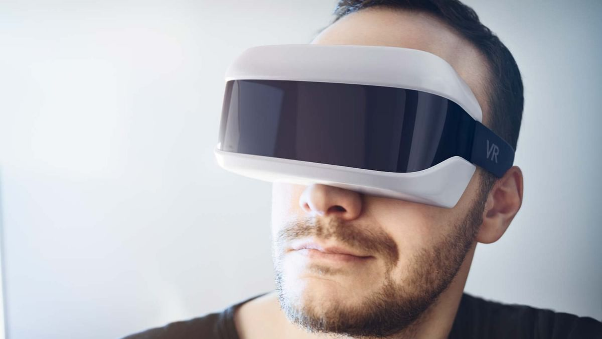 Chance for VR to go mainstream in 2016? (Photo: iStock)