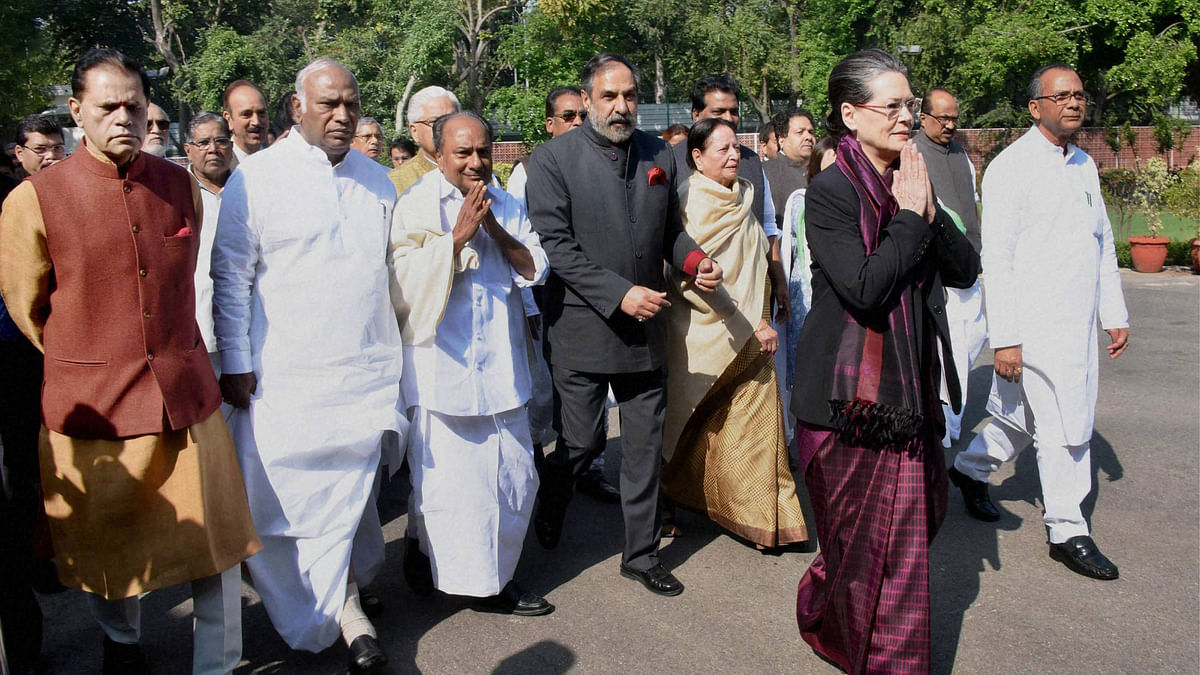 File photo of Congress President Sonia Gandhi with senior party leaders. (Photo: PTI)