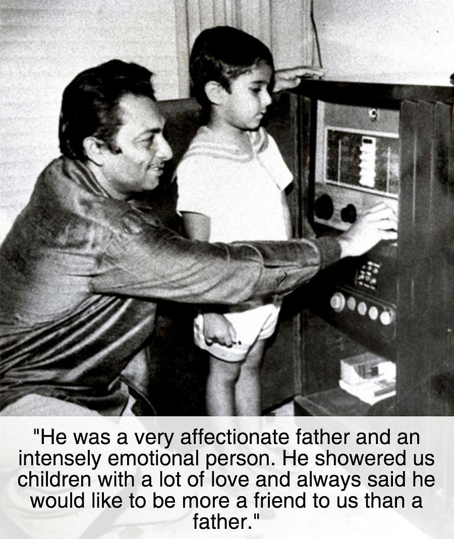 "<div class=""paragraphs""><p>Madan Mohan with son eldest son&nbsp;Sanjeev Kohli </p></div>"