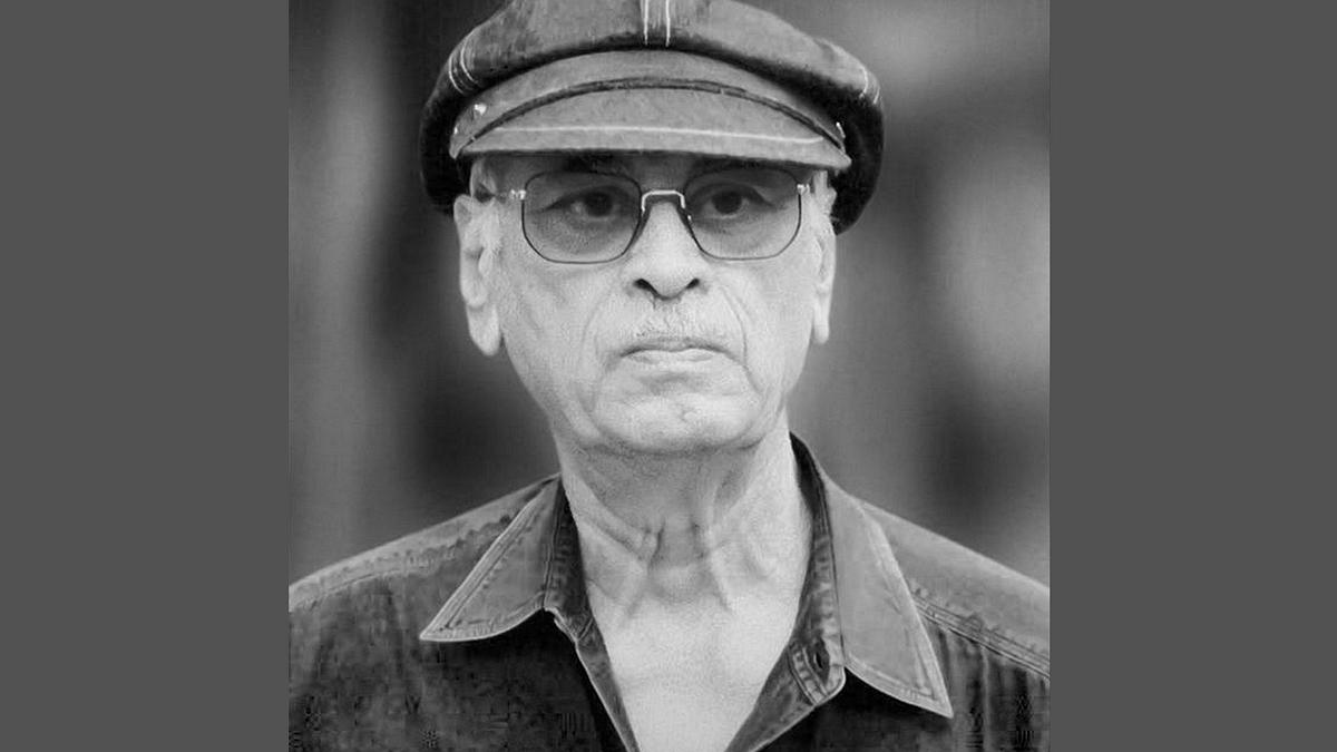 "Yash Johar's filmmaking legacy continues with his son Karan Johar&nbsp;(Photo: <a href=""https://twitter.com/ySayeem/status/614150338640281602"">Twitter/@<b>ySayeem</b></a>)"