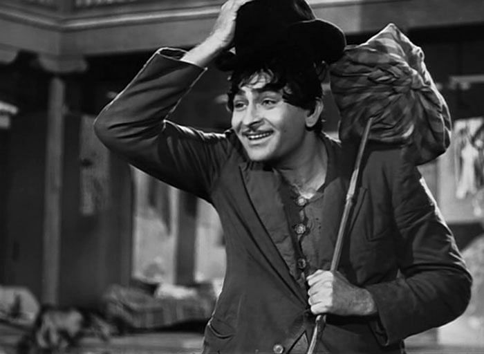 Raj Kapoor as the lovable tramp in <i>Shree 420. </i>(Photo Courtesy: Twitter)