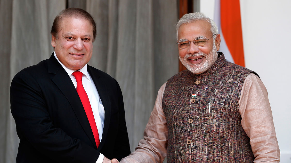 Prime Minister Narendra Modi (right) with Pakistan PM Nawaz Sharif (left). (Photo: Reuters)