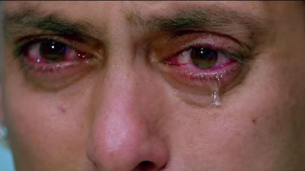 Bajrangi, we hate tears! (Photo: Screen grab from <i>Bajrangi Bhaijaan</i>)