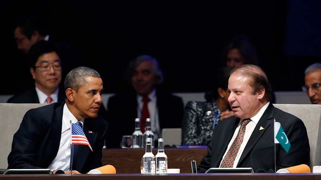 U.S. President Barack Obama with Pakistan's Prime Minister Nawaz Sharif (R) during the Nuclear Security Summit in The Hague, 2014. (Photo: Reuters)