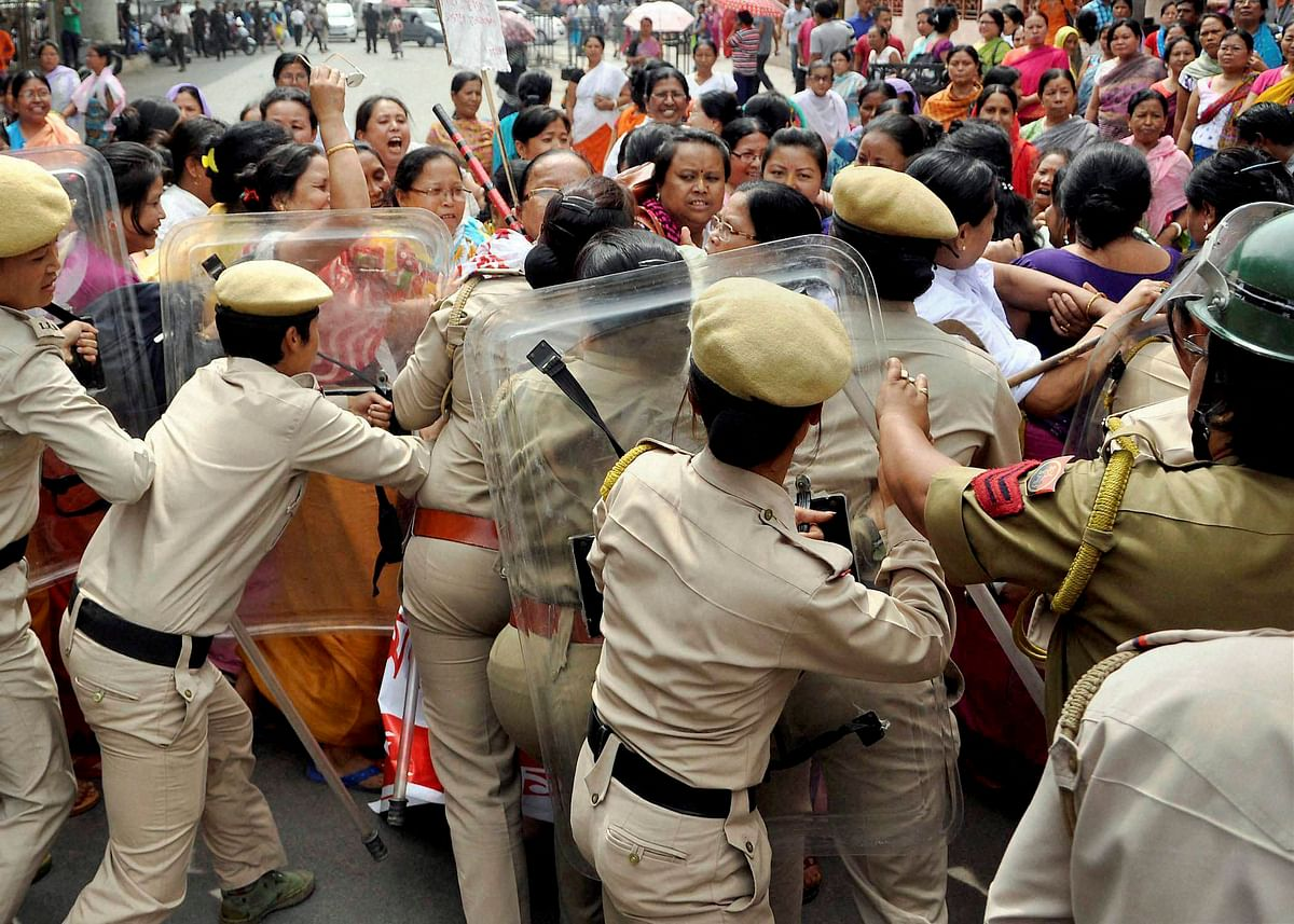 Agitated residents of Manipur want the Inner Line Permit to be reinstated.(Photo: PTI)