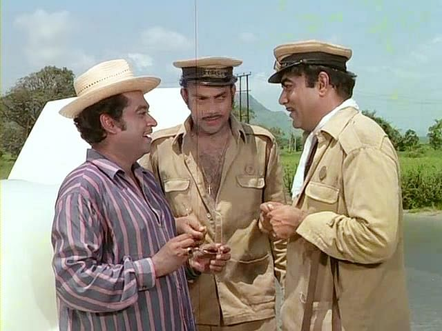 Kishore Kumar makes a guest appearance in <i>Bombay To Goa, </i>in a scene with Mehmood and Anwar Ali