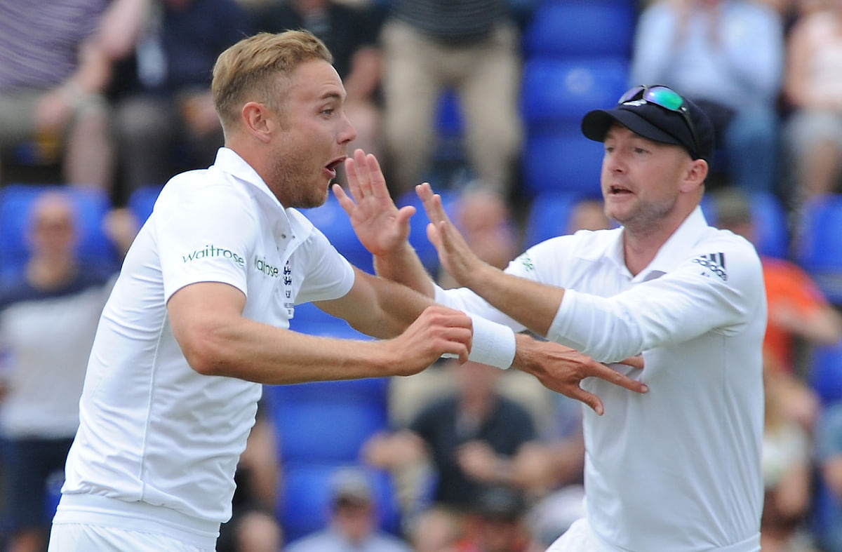 Stuart Broad celebrates a wicket with Adam Lyth. (Photo: AP)