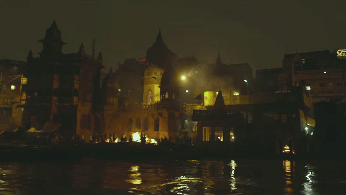 """Benraas ghat as shown in the film. (Photo: YouTube/<a href=""""https://www.youtube.com/watch?v=IVZzYa0MxM8"""">Zee Music Company</a>)"""