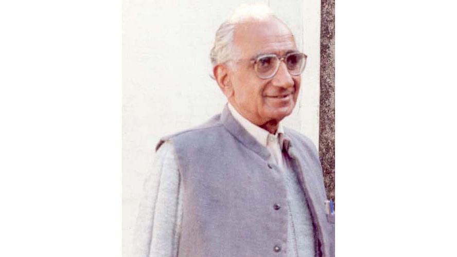 "(Photo Courtesy:<a href=""http://www.jagannathazad.info/""> Jagan Nath Azad</a>)"
