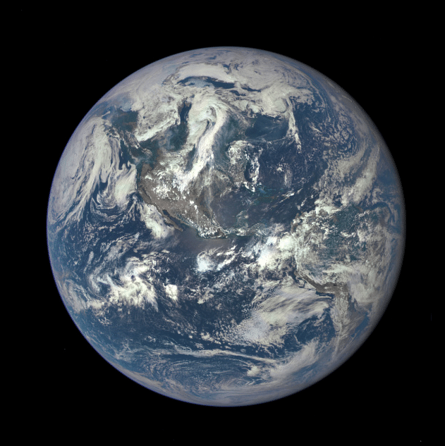 A NASA camerasatellite has returned its first view of the entire sunlit side of Earth from one million miles away (Photo: NASA)