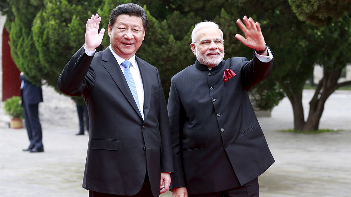 Prime Minister Narendra Modi with Chinese President Xi Jinping, in China, May 14, 2015 (Courtesy: Reuters)