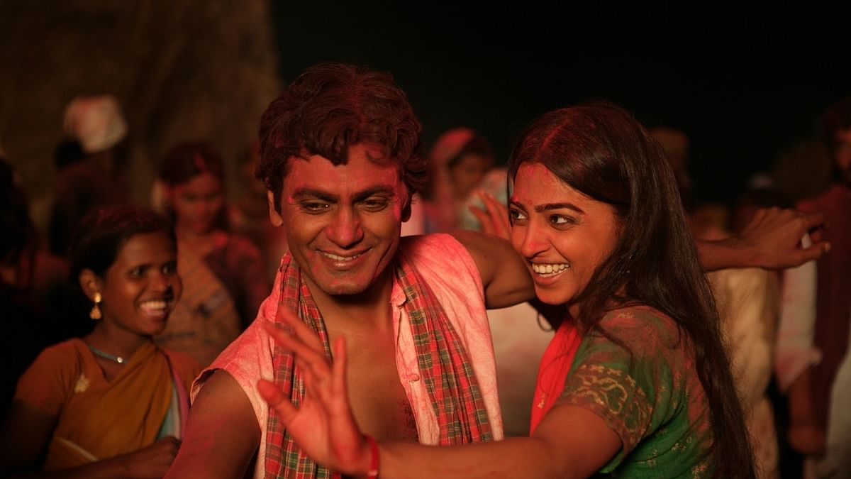"Nawazuddin Siddiqui and Radhika Apte are superb in the trailer of<i> Manjhi - The Mountain Man </i>(Photo: Youtube/<a href=""https://www.youtube.com/watch?v=I9KAoTQlEWs"">Viacom18 Motion Pictures</a>)"