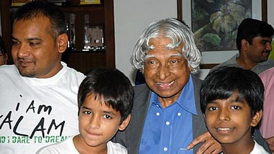 Dr APJ Abdul Kalam with the team of <i>I Am Kalam </i>(Photo: Twitter/DCEntertainment)