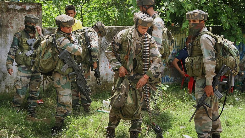 Security forces prepare for the final assault against the terrorists in Gurdaspur. (Photo: PTI)