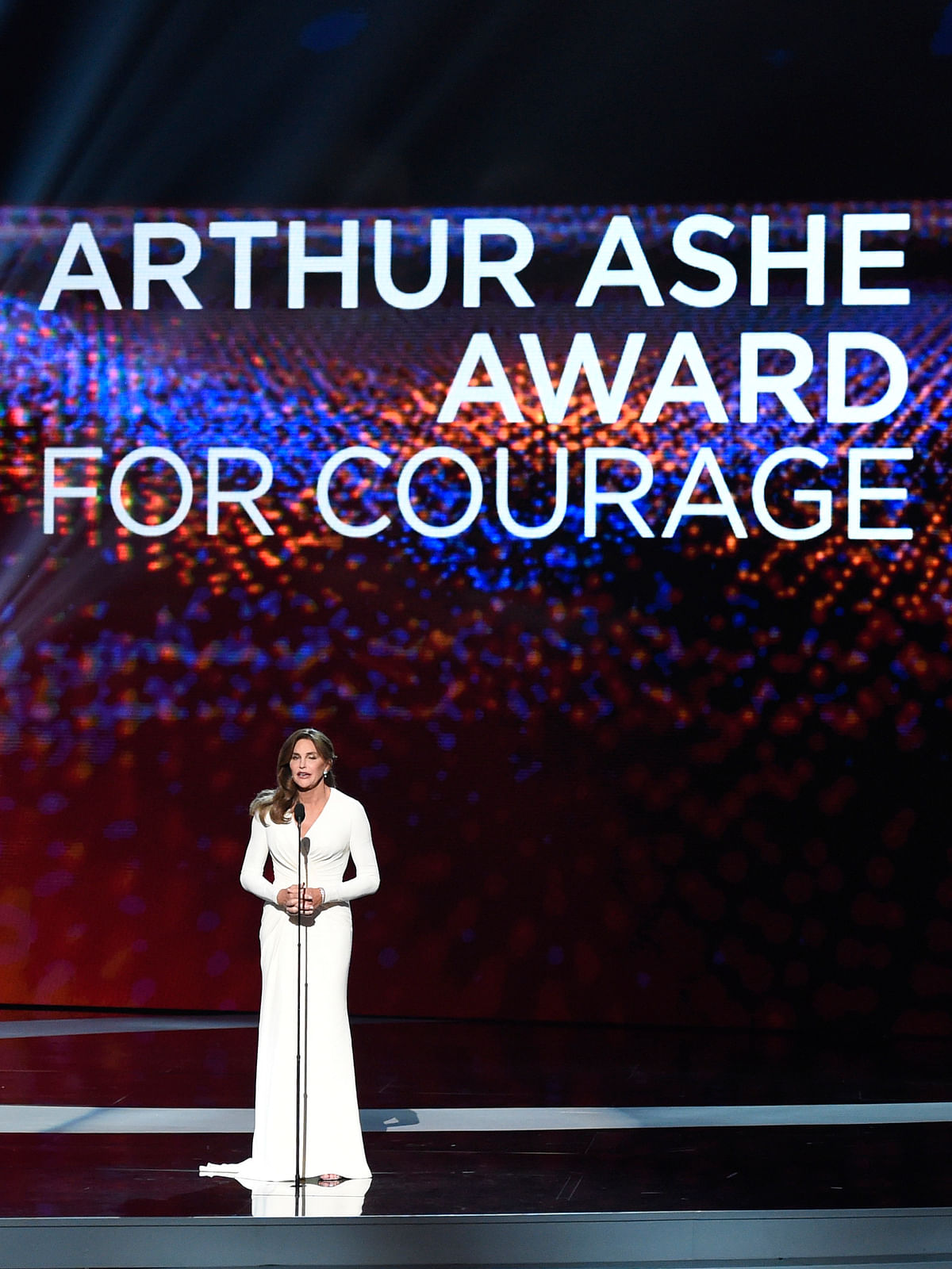 Caitlyn Jenner honoured with the Arthur Ashe Courage Award at the ESPYs (Photo: AP)