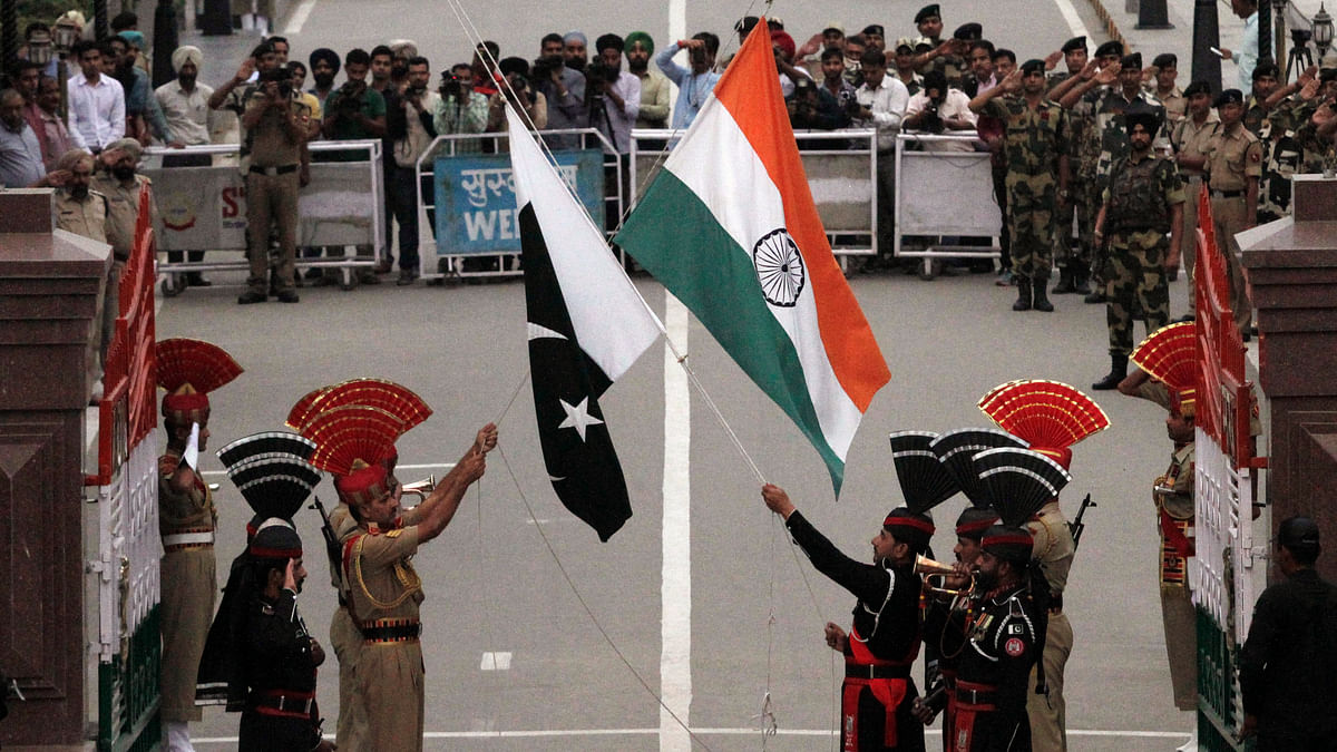 File image of flag hoisting ceremony at the Wagah border. Image used for representational purposes only.