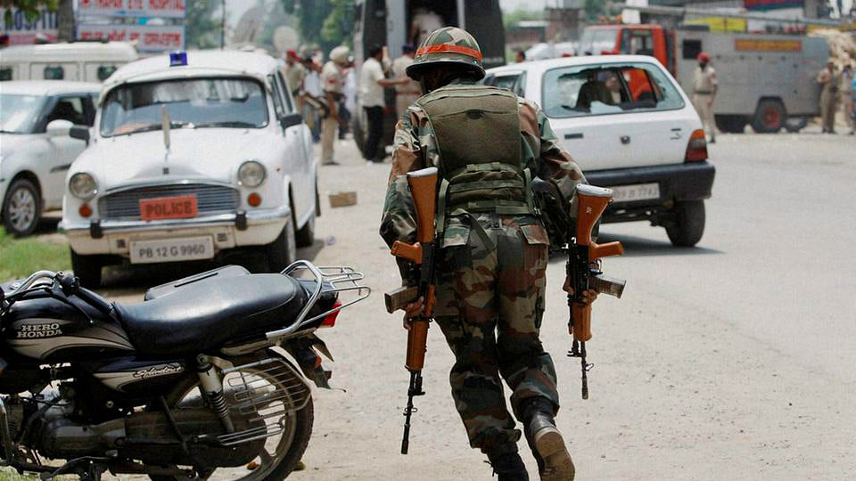 File photo of an army jawan. Photo used for representational purpose. (Photo: PTI)